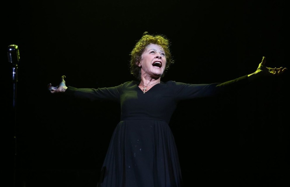Louise Pitre plays Edith Piaf in Piaf/Dietrich at CAA Theatre in Toronto 2019